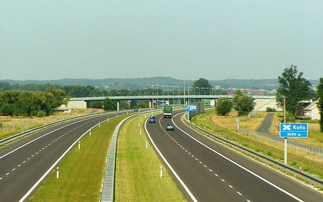 A highway in the region around Poznan, Poland. (photo credit: public domain Kolanin, Wikimedia commons)