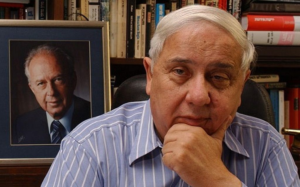 Eitan Haber (photo credit: Shalom Bartal/Wikipedia Commons)