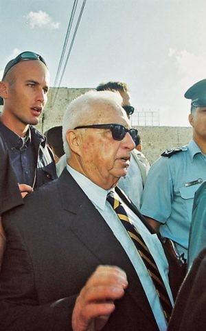 Ariel Sharon visits the Temple Mount, September 28, 2000 (Photo credit: Flash90)