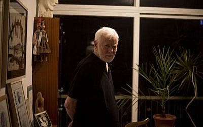 Uri Avnery in his home in Tel Aviv, earlier this month (photo credit: AP/Ariel Schalit)