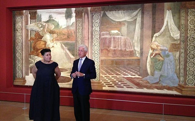 Israel Museum Curator Shlomit Steinberg and Israel Museum director James Snyder explaining the resonance of Botticelli's 'Annunciation' fresco (photo credit: Jessica Steinberg/Times of Israel)