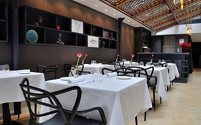 Interior of new upscale  London kosher eatery, 1701. (photo credit: courtesy)