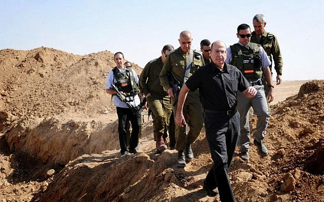 Moshe Yaalon touring the south on Tuesday, October 29. (photo credit: Alon Basson/Ministry of Defense/Flash90)