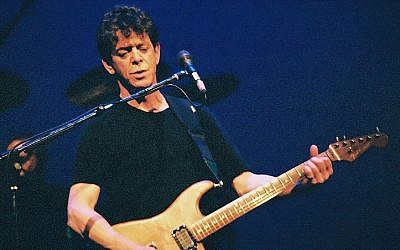 Lou Reed performing in 2004 (Photo credit: Danny Norton / Wikipedia Commons)