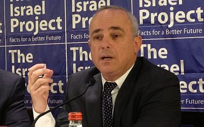 Intelligence Minister Yuval Steinitz briefing reporters in Jerusalem, October 14, 2013. (photo credit: Raphael Ahren/TOI)