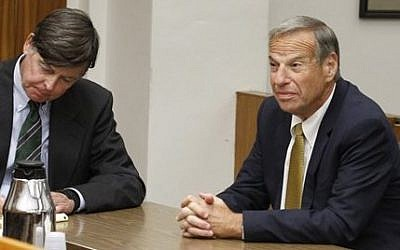 Former San Diego Mayor Bob Filner, right, sits with counsel in court before he pleads guilty on state charges of felony false imprisonment Tuesday, Oct. 15, 2013 in San Diego (photo credit: AP/UT-San Diego, John Gibbins)