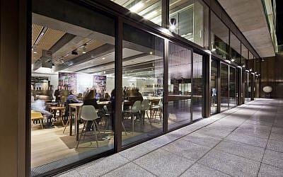 Zest Restaurant in the new London Jewish Community Center (photo credit: ©NinaSologubenko)