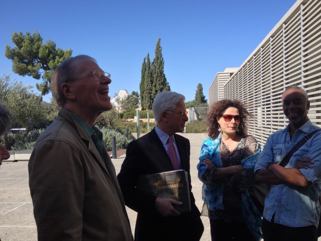 Davidson Norris with Israel Museum director James Snyder and other American Academy fellows, admiring the slatted walls that help diffuse Jerusalem's strong light (photo credit: Jessica Steinberg/Times of Israel)