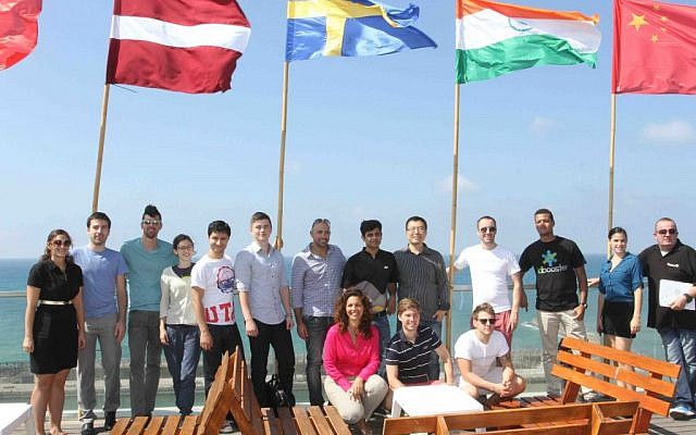 Start Tel Aviv winners on the roof of the Wix headquarters (photo credit: Courtesy)