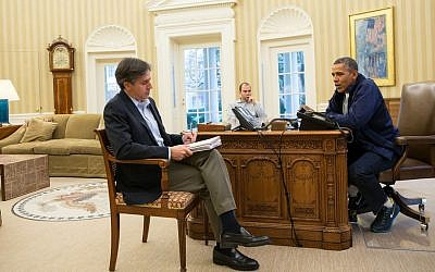 Barack Obama (right) speaking to advisers Tony Blinken (foreground), and Ben Rhodes (background), regarding the Iran nuclear deal, on Sunday, November 24, 2013. (Pete Souza/White House)