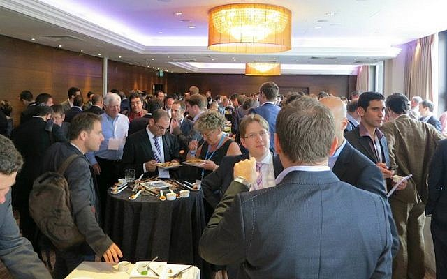 Networking at Innovate Israel 2012 (Photo credit: Courtesy)