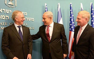 Then-AIPAC president Michael Kassen, left, and executive director Howard Kohr, meeting with Benjamin Netanyahu in Jerusalem in January 2013. (photo credit: Amos Ben Gershom/GPO/Flash90)