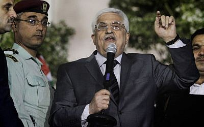 PA President Mahmoud Abbas at a rally welcoming released Palestinian prisoners, on October 30, 2013. (photo credit: Issam Rimawi/Flash90)