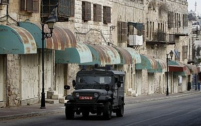 Illustrative photo of an Israeli army jeep in Hebron, November 7, 2013 (Miriam Alster/Flash90)
