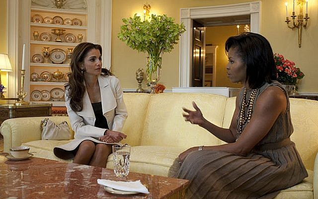 US First Lady Michelle Obama, right, hosts Jordan's Queen Rania in the Yellow Oval Room of the White House, April 2009 (photo credit: Samantha Appleton/Wikimedia Commons/White House)