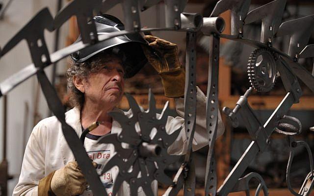Bob Dylan at his iron works studio, September 2013 (photo credit: © John Shearer)