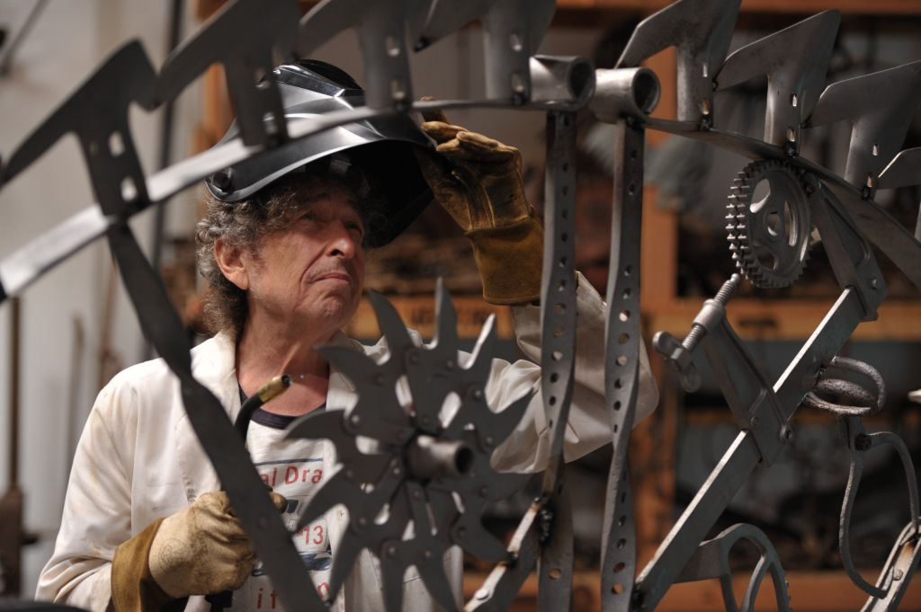 Bob Dylan at his iron works studio, September 2013 (photo credit: © John Shearer)