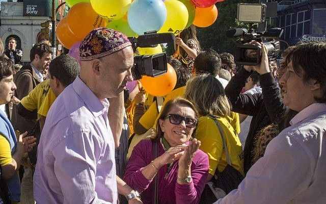 Rabbi Sergio Bergman campaigning for the PRO party, which came in first in the recent Argentine elections. (photo credit: JTA)
