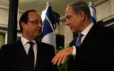 Prime Minister Benjamin Netanyahu holds a joint press conference with French President Francois Hollande at the PM's residence in Jerusalem on November 17, 2013. (photo credit: Kobi Gideon/GP/Flash90)
