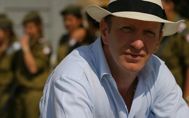 Simon Sebag Montefiore chose the road less traveled as a war correspondent before returning to history. (photo credit: courtesy)