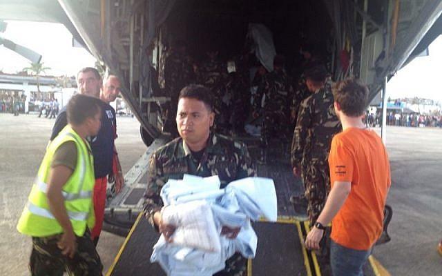 IsraAID arrives in Philippines with humanitarian aid. (Photo credit: IsraAID/Nufar Tagar)
