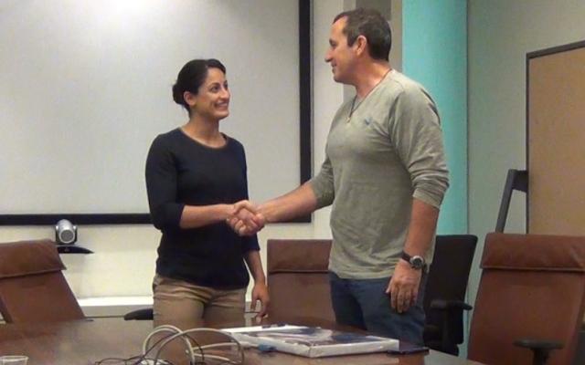 Yarden Gerbi (L.) meets with Eyal Waldman, CEO of Mellanox (Photo credit: Courtesy)