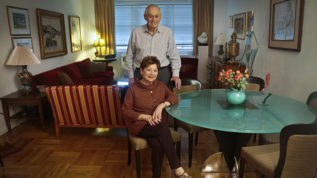 Victims Of Bernie Madoff S Massive Ponzi Scheme Morton Chalek 91 Standing A