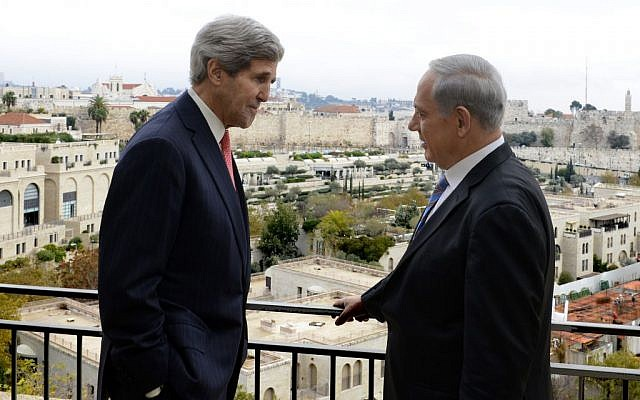 US Secretary of State John Kerry, left, and Prime Minister Benjamin Netanyahu meet in Jerusalem, December 6, 2013 (photo credit: Matty Stern/US Embassy Tel Aviv)