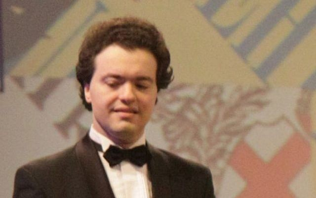 Evgeny Kissin  at a concert in Tel Aviv on December 24, 2011 (photo credit: CC BY-SA Levg, Wikimedia Commons)