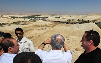 Prime Minister Benjamin Netanyahu looking out at the Allenby Border Terminal in the Jordan Valley in 2009 (photo credit: Kobi Gideon / Flash90)