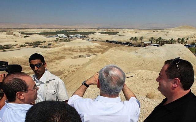 Prime Minister Benjamin Netanyahu looks out at the Allenby Border Terminal with Jordan in the Jordan Valley in 2009 (Kobi Gideon/Flash90)