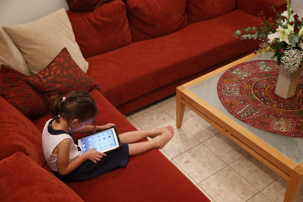 Everyone needs downtime from the screens, say experts (photo credit: Nati Shohat/Flash 90)