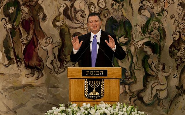 Yuli Edelstein speaking to the Knesset in November 2011