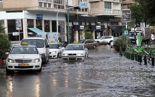 Flooding in Tel Aviv's Kikar Hamedina Wednesday. (photo credit: Gideon Markowicz/Flash90)