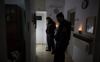 A home without power in Jerusalem on Saturday. (photo credit: Yonatan Sindel/Flash90)