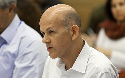 Eli Glickman–CEO of Israel Electric Corp. attends an Internal Affairs committee meeting at the Israeli parliament. December 17, 2013. (Photo credit: Flash 90)