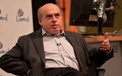 Natan Sharansky speaks at the Limmud Conference in the University of Warwick, December 24, 2013 (photo credit: Flix'n'Pix)
