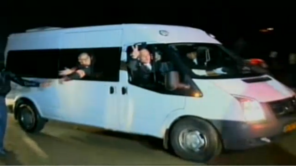Released Palestinian prisoners arrive in the Gaza Strip, early Tuesday (photo credit: screenshot Ynet)