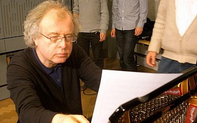 Andras Schiff (photo credit: Steve Bowbrick/Wikipedia Commons)