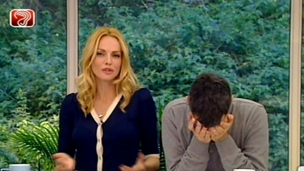 TV presenter Yoav Limor in a moment of supreme embarrassment (screen  capture: Channel 2