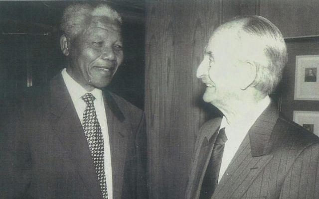 Nelson Mandela and his former boss Lazer Sidelsky (photo credit: courtesy Barry (Dov) Sidelsky