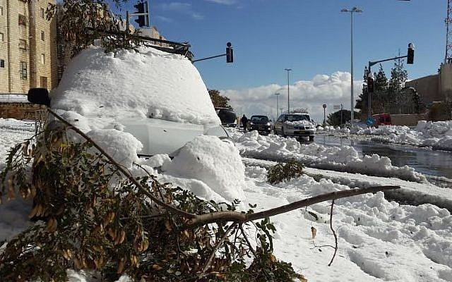 Snow-covered Jerusalem, Friday, December 13, 2013. (photo credit: Gavriel Fiske)