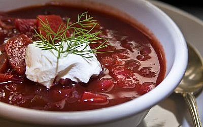 Borscht with sour cream (photo credit: Liz West from Boxborough, MA [CC-BY-2.0 (http://creativecommons.org/licenses/by/2.0)], via Wikimedia Commons)