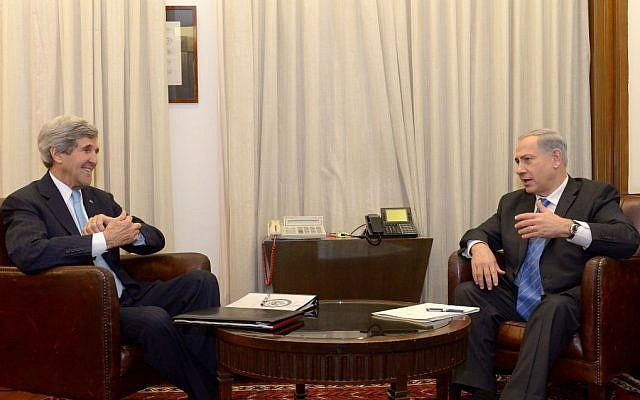 John Kerry, left, meeting with Benjamin Netanyahu in Jerusalem Thursday, January 2, 2014. (photo credit: Haim Zach/GPO/Flash90)