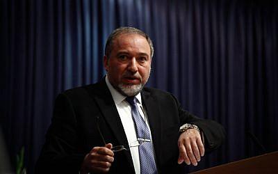 Foreign Minister Avigdor Liberman in Jerusalem, January 5, 2014 (photo credit: Flash90)