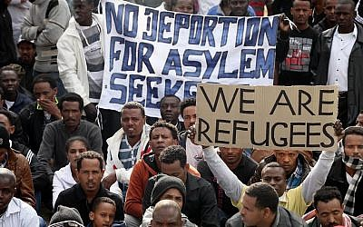 African migrants gather during a protest in Levinsky Park in Tel Aviv, on January 7, 2014. (photo credit: Gideon Markowicz/Flash90)