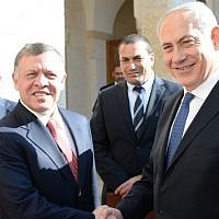 Prime Minister Benjamin Netanyahu meets with Jordanian King Abdullah II in Jordan in January 2014 (Kobi Gideon / GPO/FLASH90/ File)