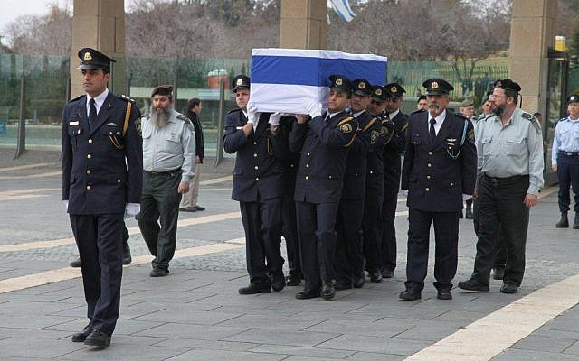 A Knesset honor guard carries the casket of former prime minister Ariel Sharon, Sunday, January 12, 2014 (photo credit: Knesset spokesman)