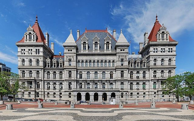 The New York State Capitol building in Albany, New York. (photo credit: CC BY Wikipedia)