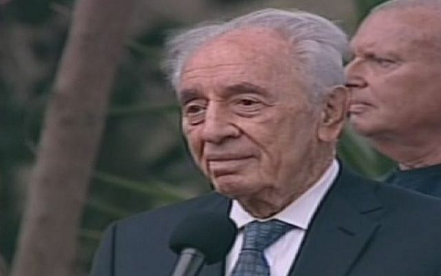 President Shimon Peres speaking Sunday at Shulamit Aloni's funeral (screen capture: Channel 2)
